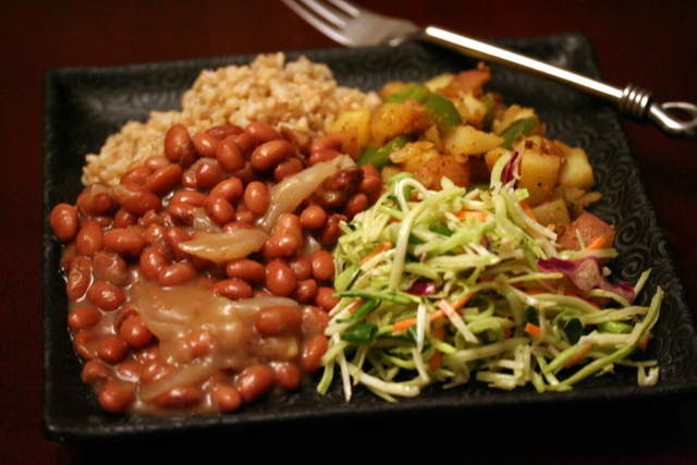 http://ineluctable.org/ieatfood/smoky_pink_beans_etc/meal.JPG
